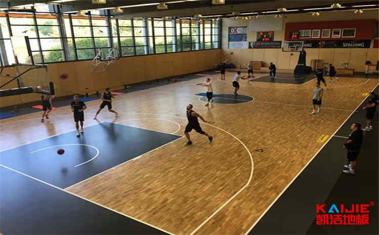 建一个篮球馆选用什么运动木地板合适