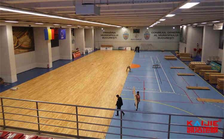 体育馆地板铺设