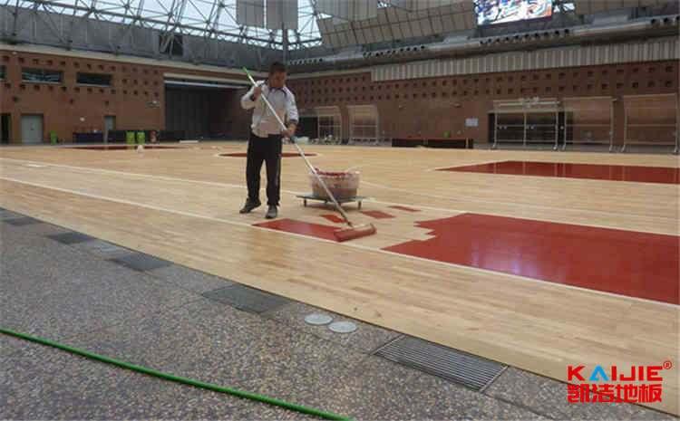 篮球场木地板购买时候需要注意什么