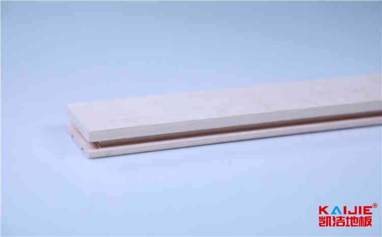 学校室内体育馆运动木地板磨损处理——体育运动木地板品牌