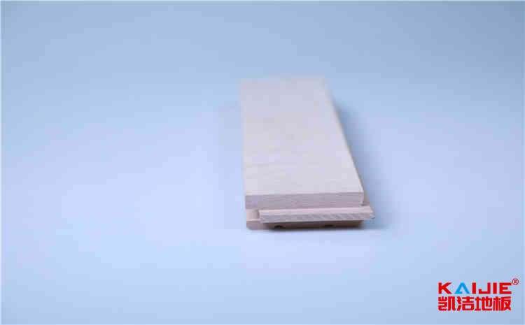 潮州运动场木地板翻新——凯洁地板