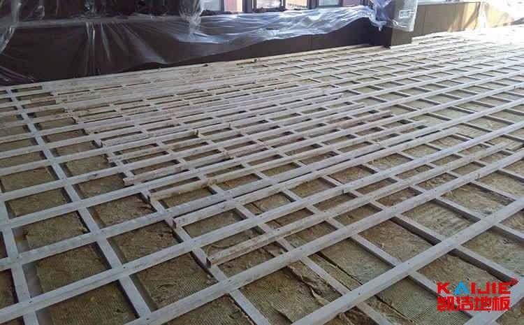 新疆篮球木地板报价