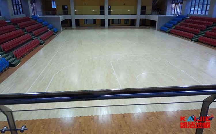 企口运动木地板打磨翻新