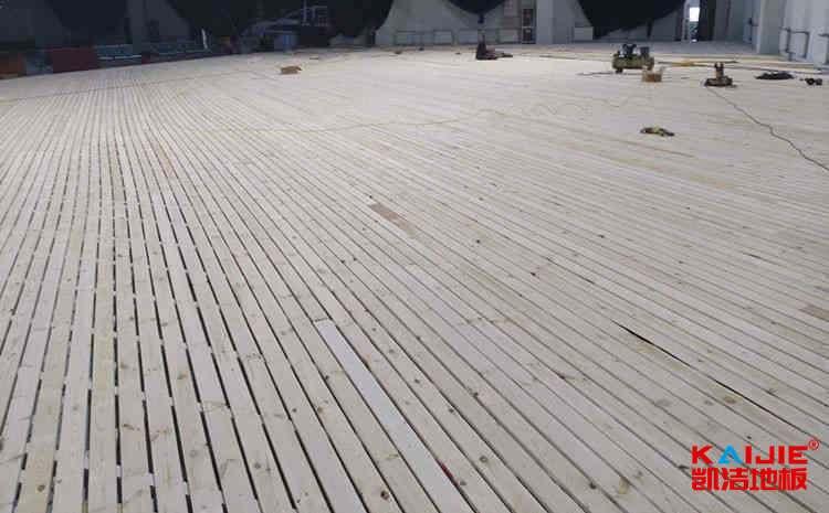 柞木体育木地板厂商