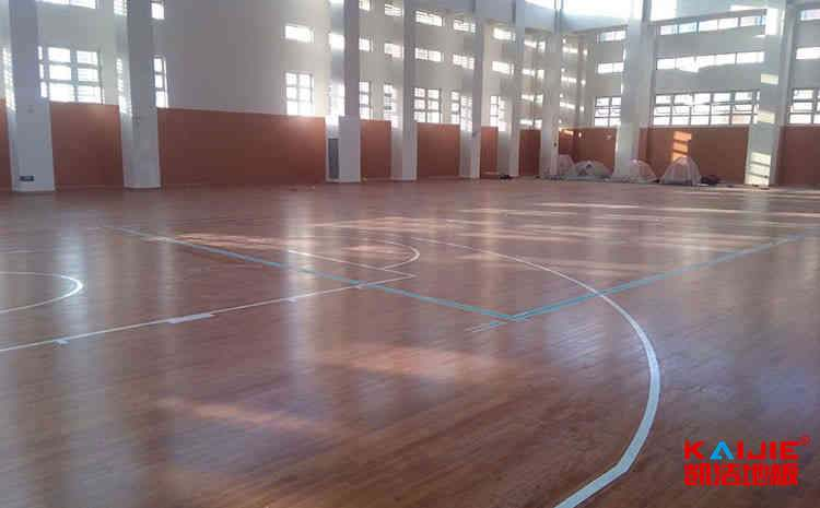 体育场地板什么材质最好