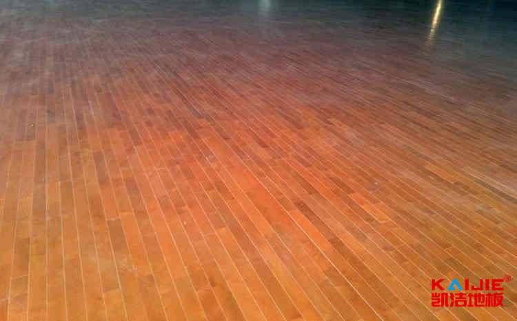 枫木篮球场木地板生产厂家