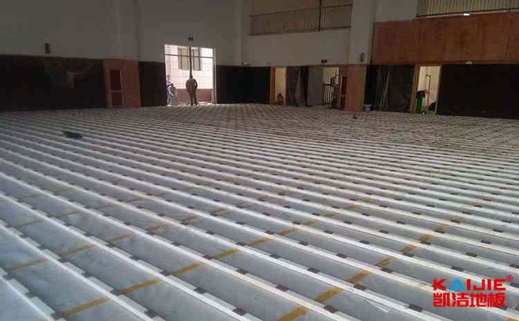 篮球场木地板购买时候需要注意什么——凯洁地板