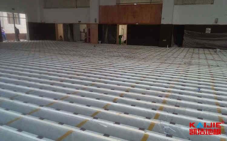 专业篮球场木地板铺装条件是什么