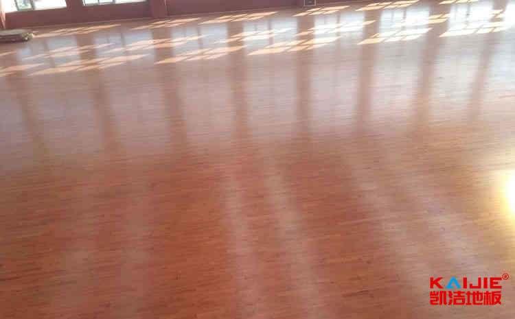 硬枫木运动地板