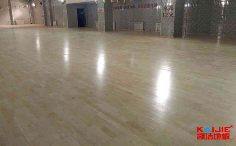 篮球场专业木地板质量怎么区分