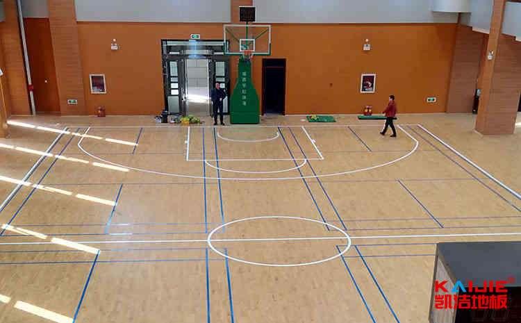 私人篮球馆地板图片