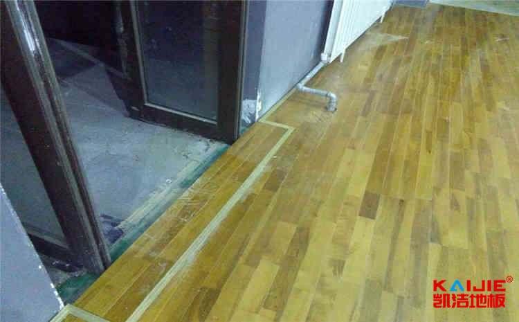 专业羽毛球场木地板