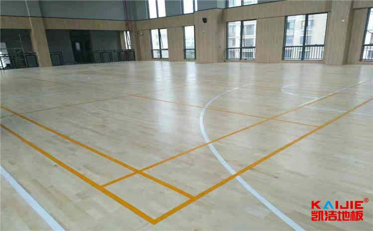 运动场实木地板翻新