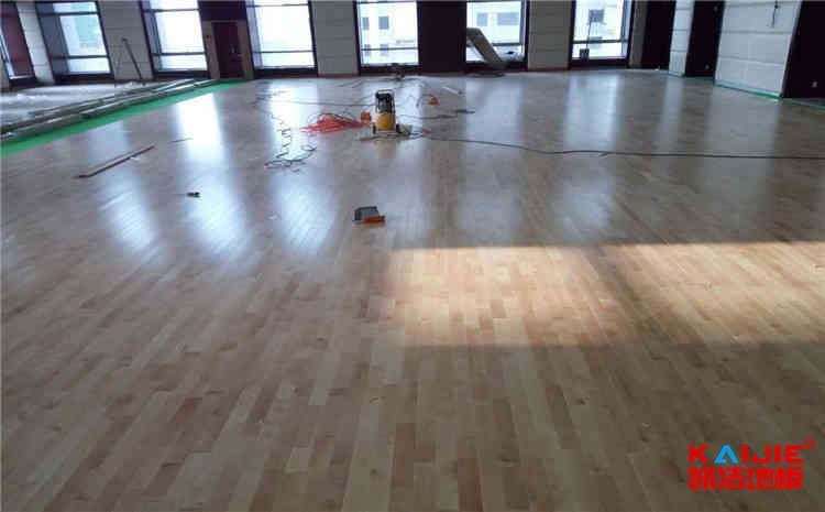 百年门第篮球地板