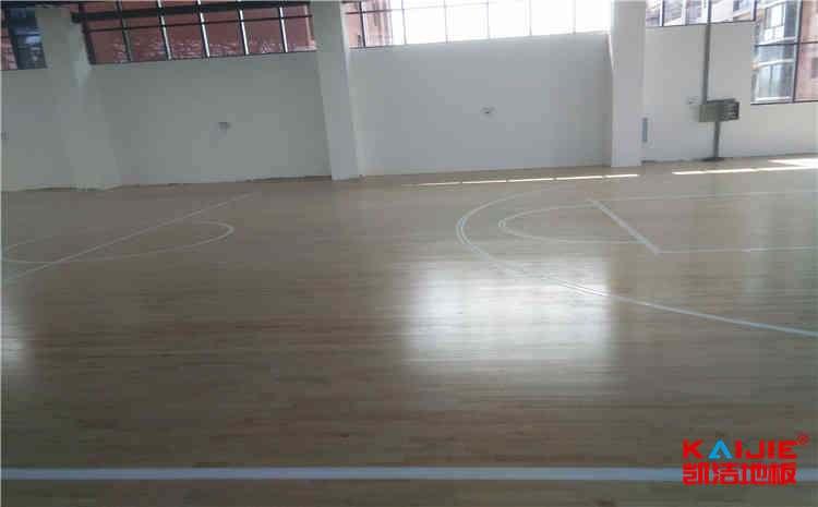 篮球场实木篮球地板毛地板怎么安装