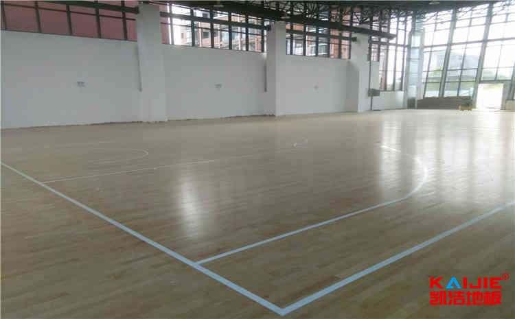 篮球场木地板含水率有什么影响——凯洁地板
