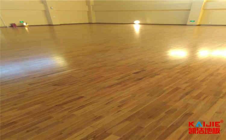 篮球场实木地板厂家