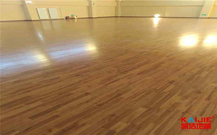 篮球场木地板——凯洁地板