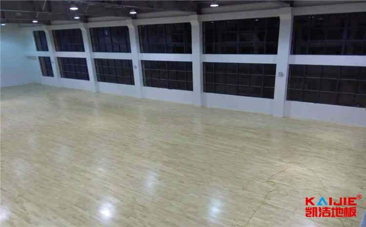 体育馆js33333购买时需要注意什么——体育场地板价格